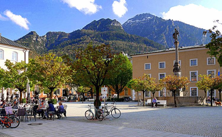 Alpenstadt Rathausplatz Bad Reichenhall 4