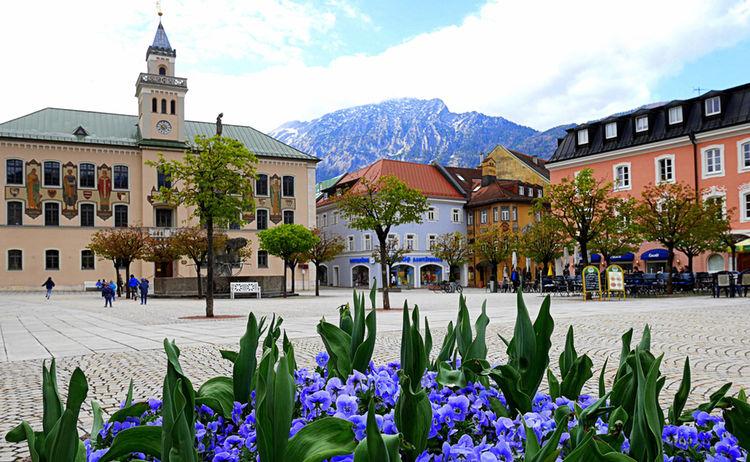Alpenstadt Rathausplatz Bad Reichenhall 3