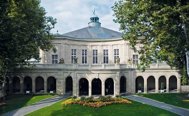 Regentbau Mit Saelen In Bad Kissingen