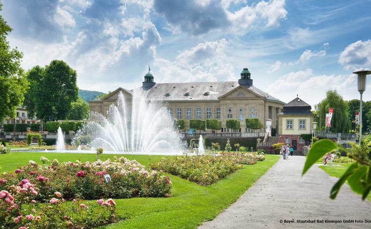 Rosengarten Mit Regentenbau Bayer Staatsbad Bad Kissingen Gmbh Foto Dominik Marx 1