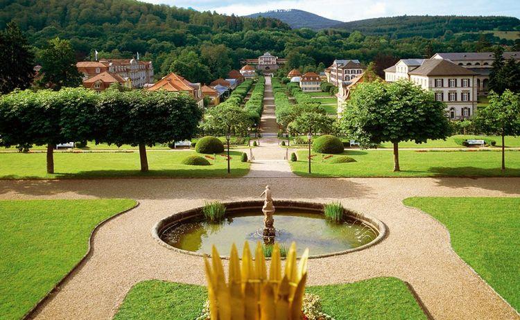 Schlosspark Staatsbad Ensemble Bad Brueckenau