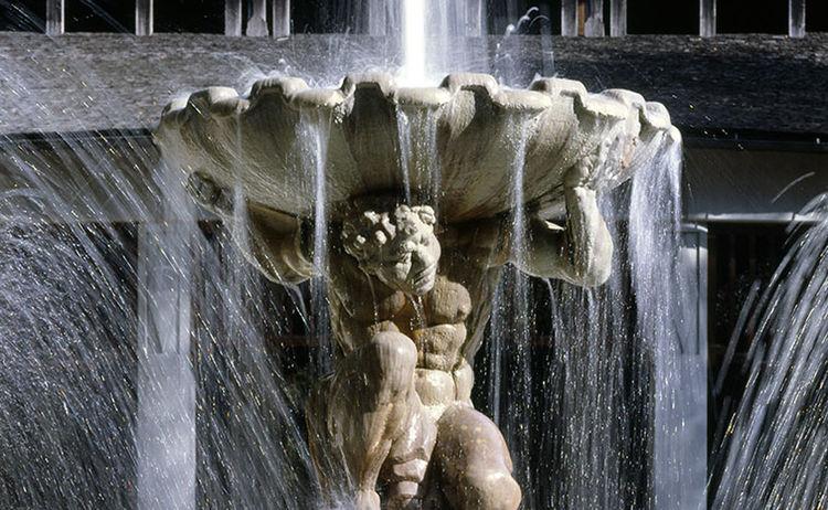 Statur Solebrunnen